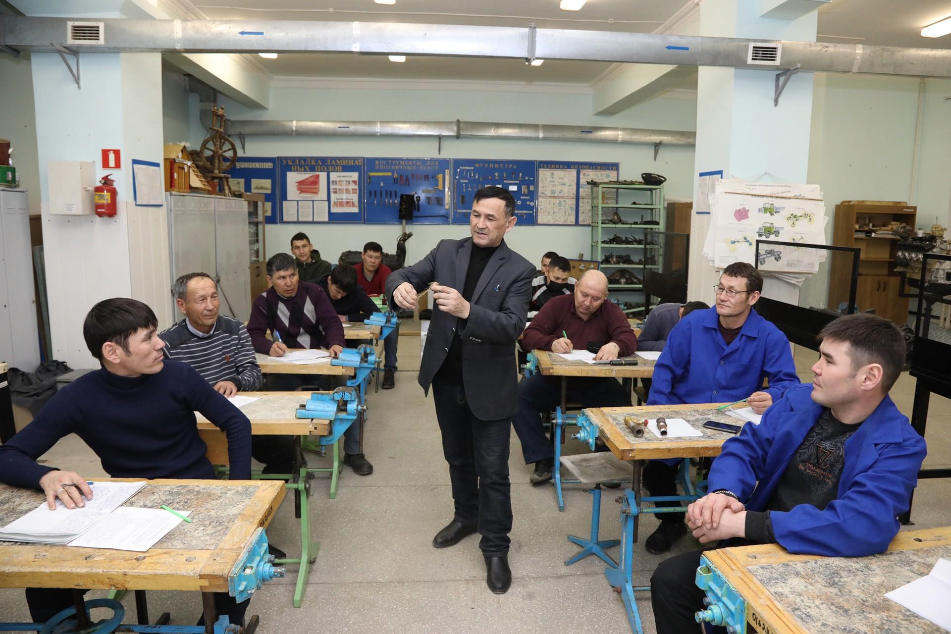 Байконурский индустриальный техникум реализует программы профессионального обучения