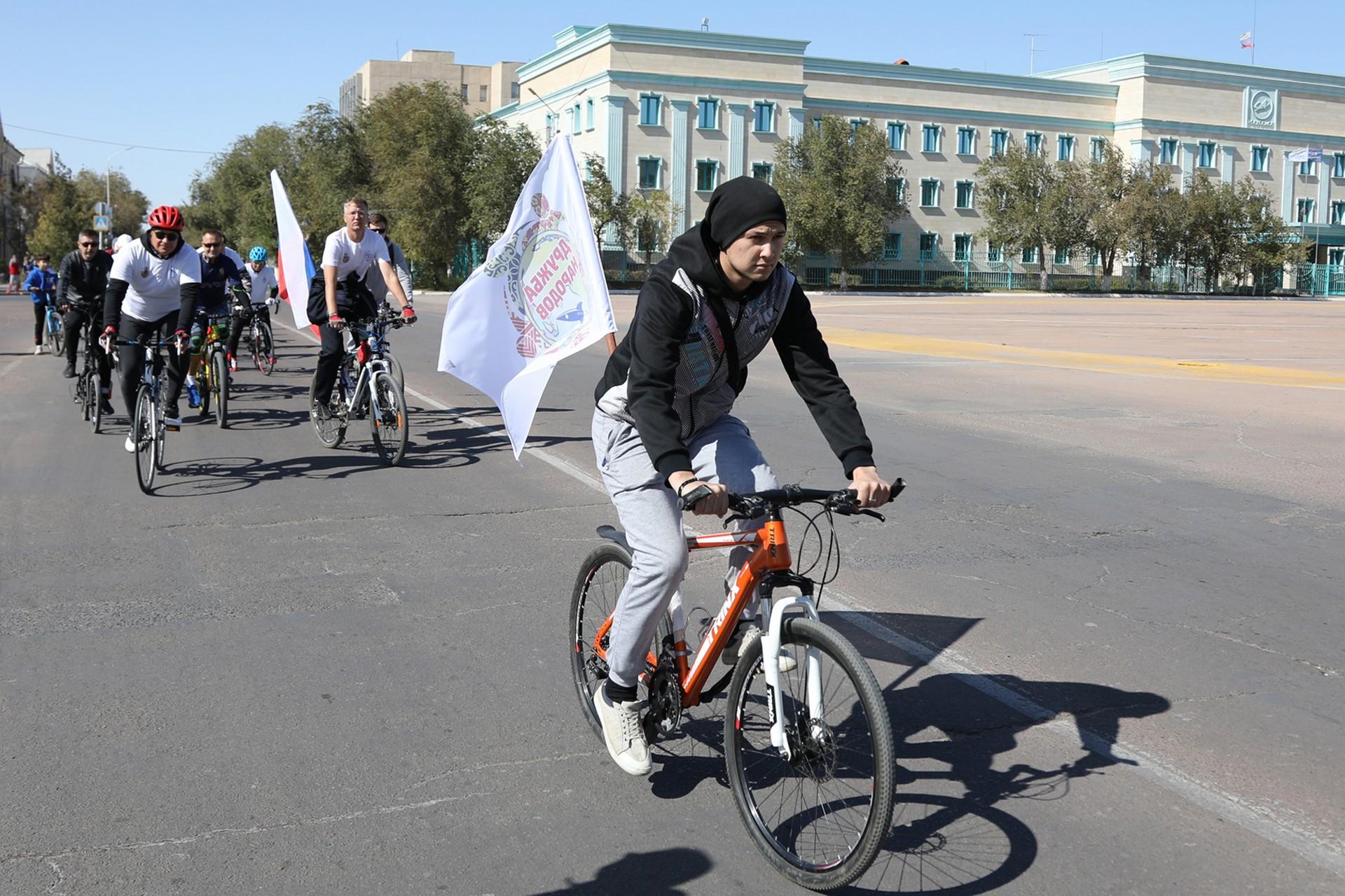 В день начала городского онлайн-фестиваля «Дружба народов!» состоялся велопробег