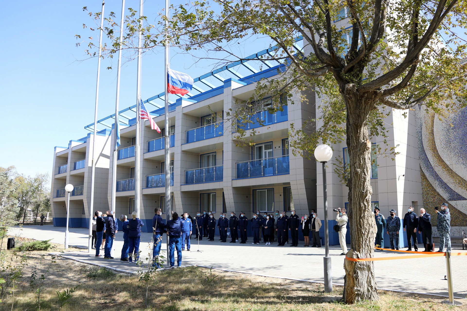 Экипажи МКС-64 приняли участие в традиционных мероприятиях на Байконуре