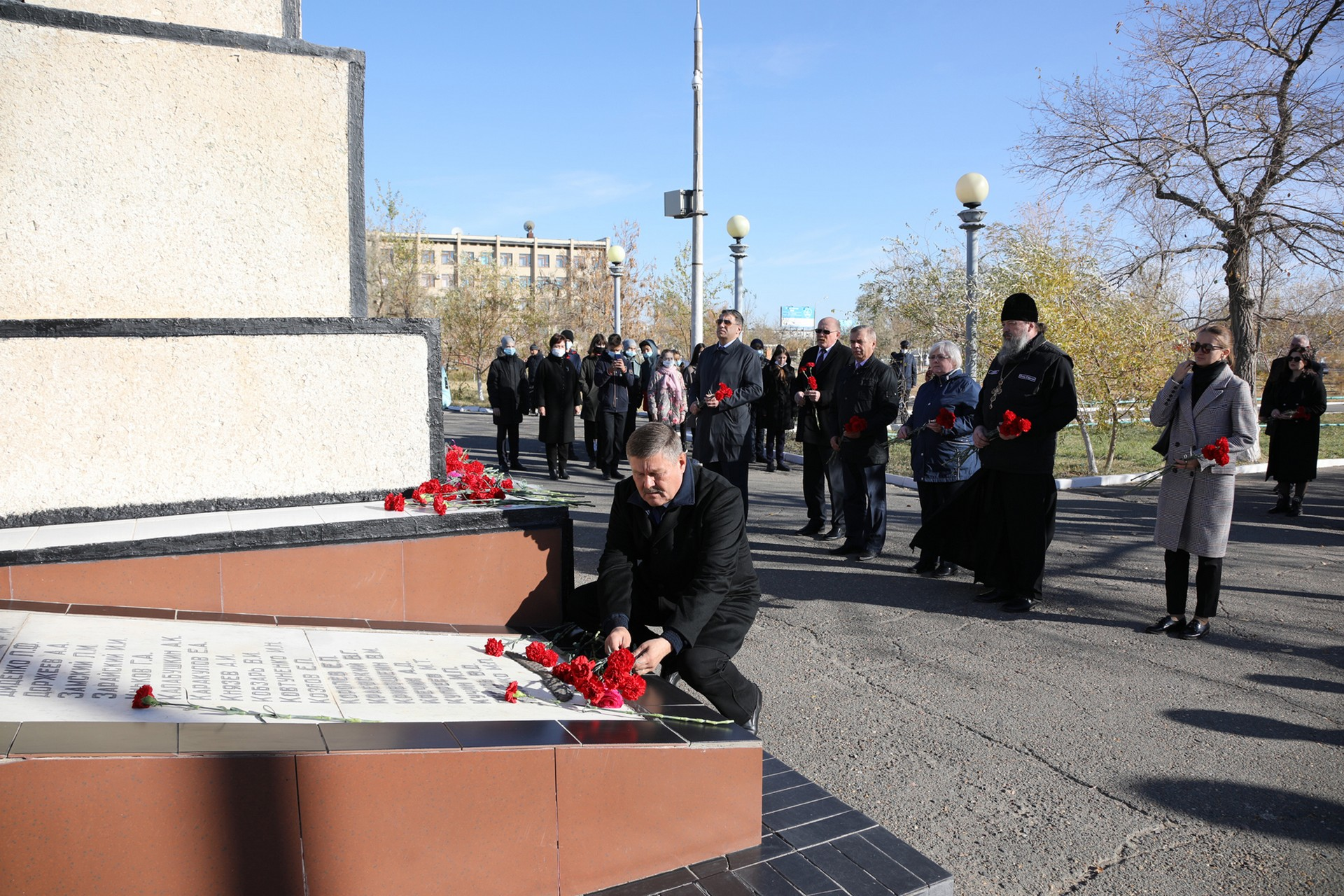 Байконурцы почтили память погибших ракетчиков