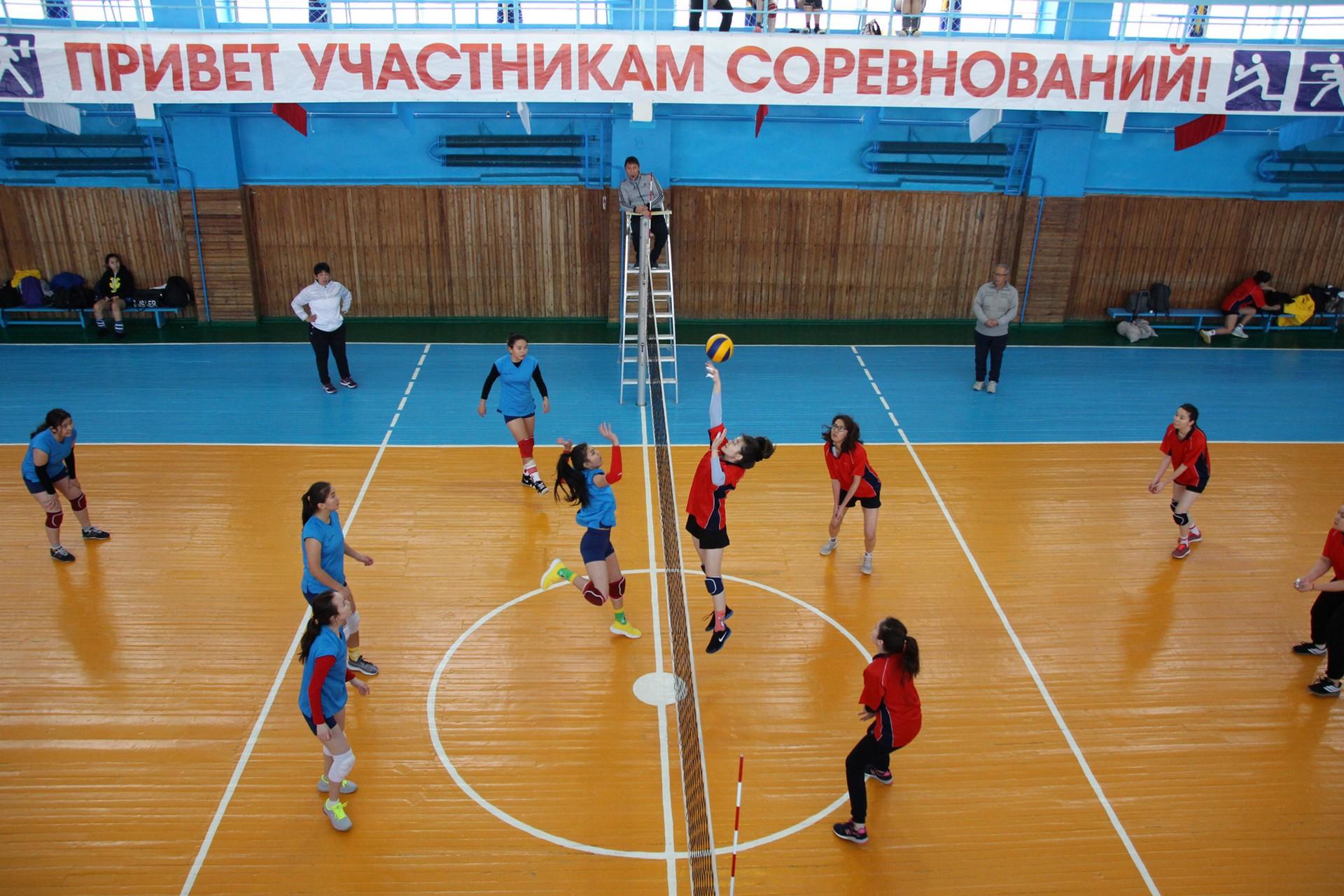 Прошли открытый турнир на кубок «Дружба» по волейболу среди мужских команд и Чемпионат города Байконура по волейболу среди женских команд