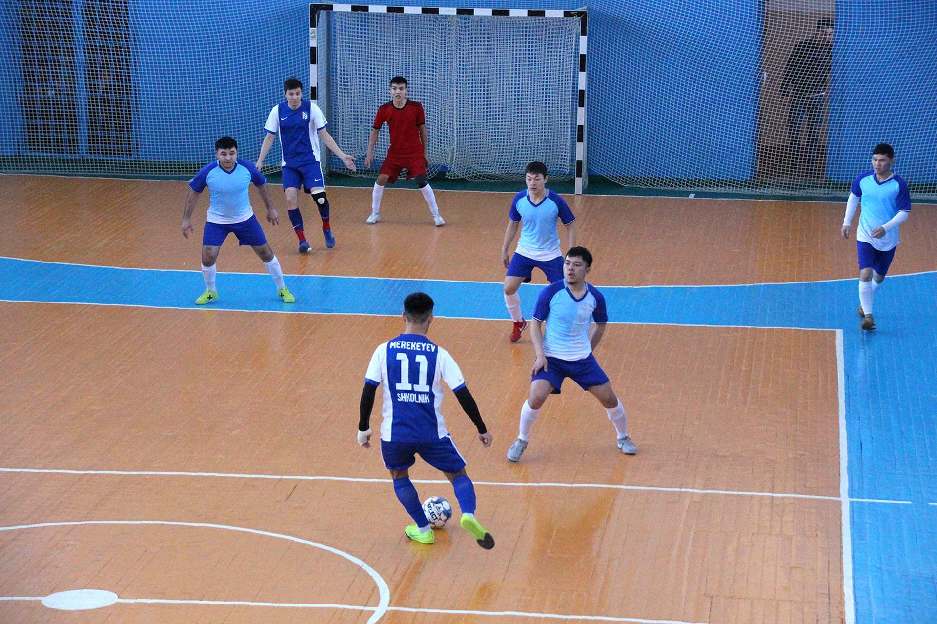 Состоялся Кубок города по мини-футболу в честь памяти Юрия Парнышкова