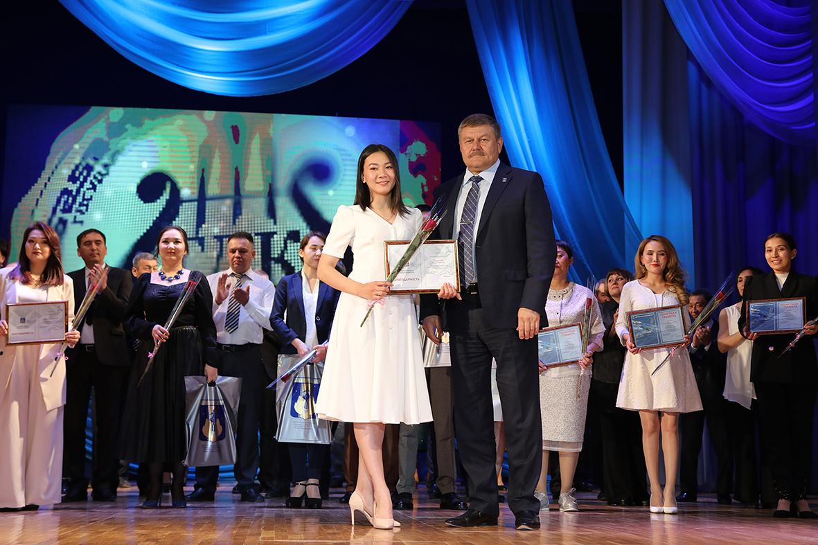 В Байконуре отметили 20-летие со дня создания государственных учреждений