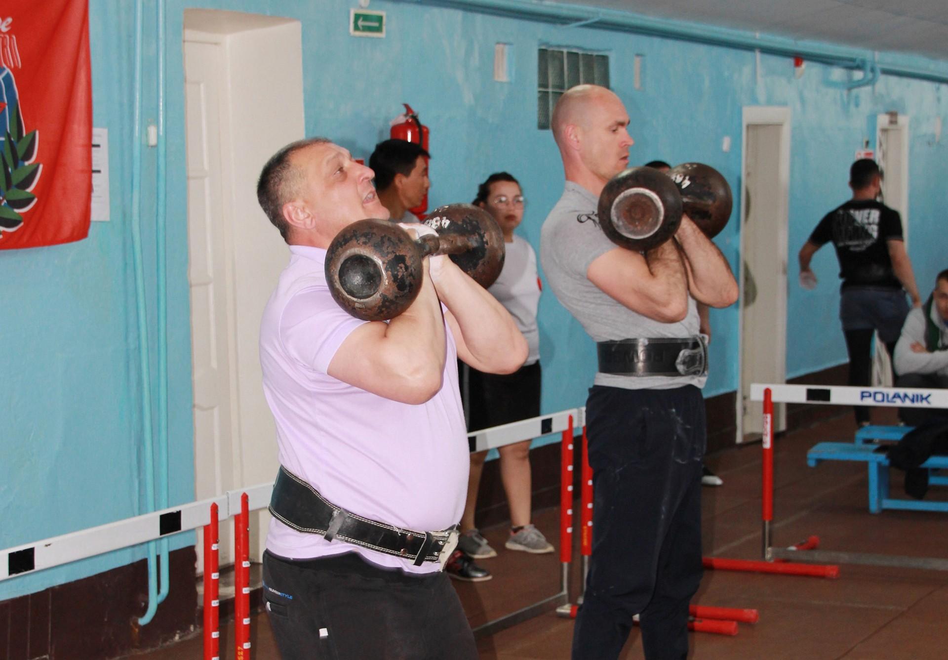 Подведены итоги открытого первенства города Байконура по гиревому спорту