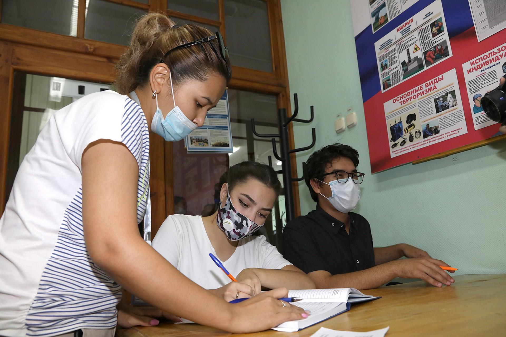 Студенческие трудовые отряды приступили к работе