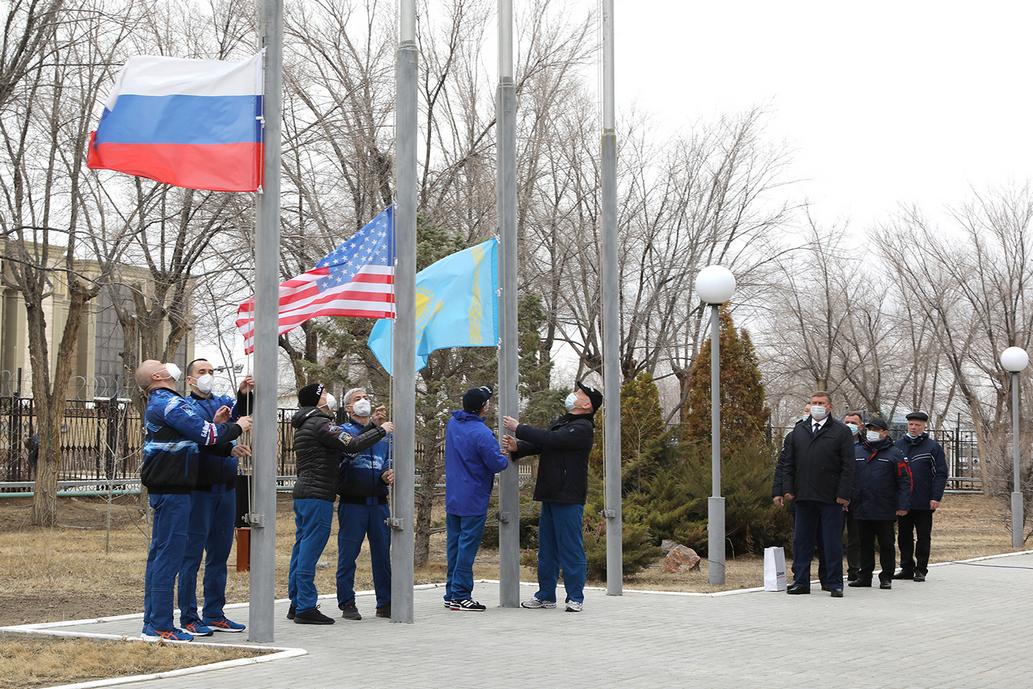 Поздравление главы администрации с Днем Государственного флага Российской Федерации