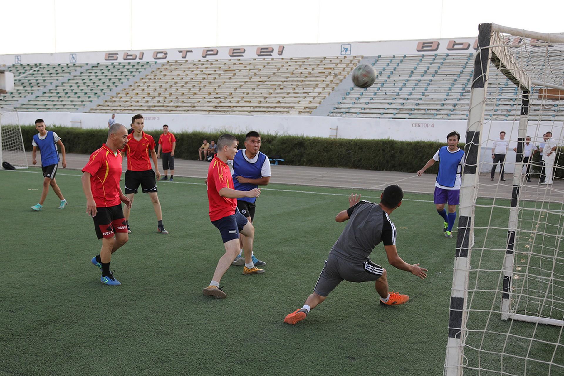 Среди работающей молодежи «Будущее Байконура» состоялся турнир по мини-футболу