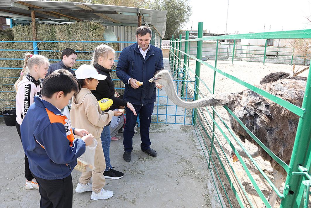 Для байконурских школьников организованы поездки в зоопарк